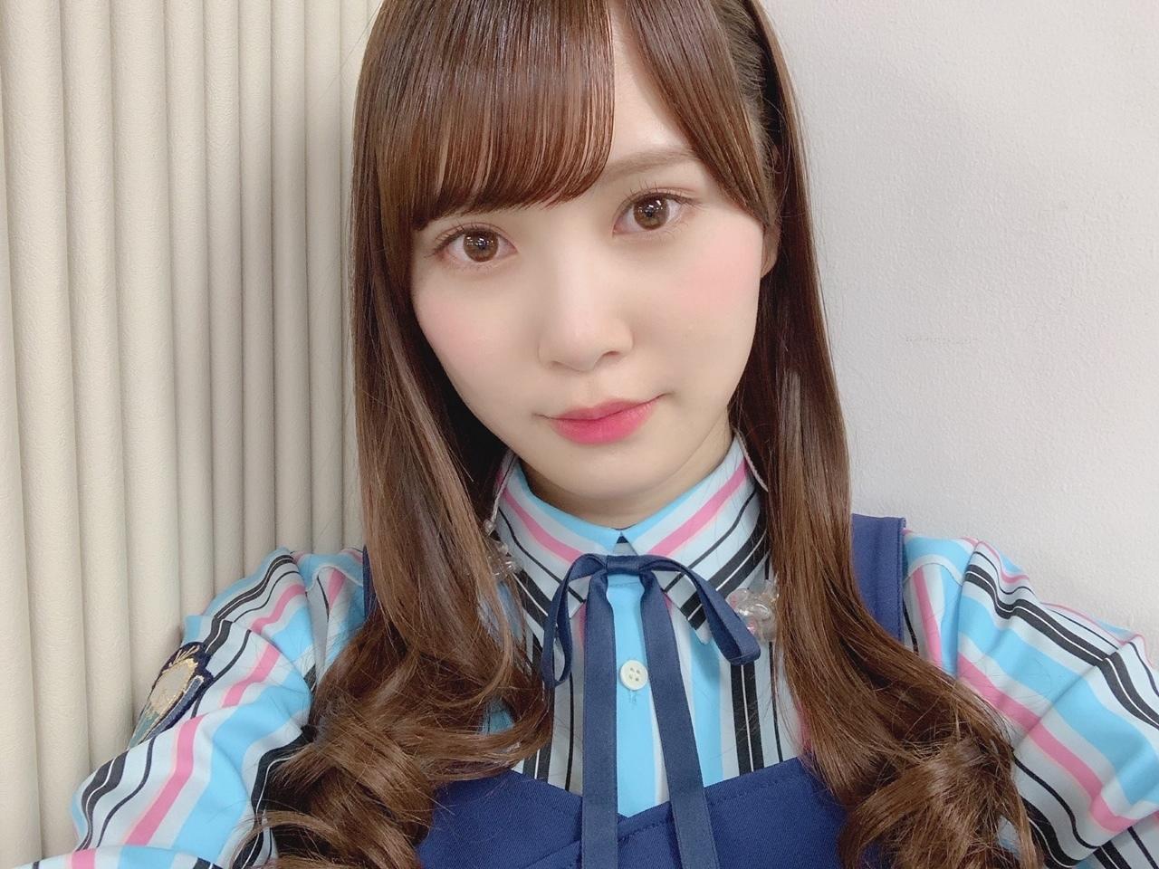 日向坂46 キュン 衣装