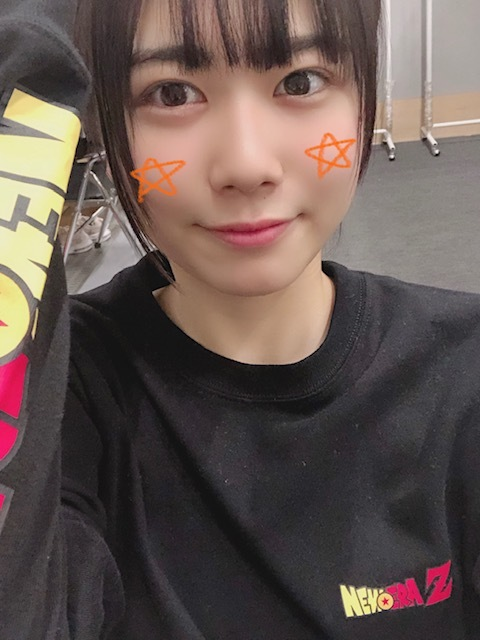 https://cdn.hinatazaka46.com/files/14/diary/official/member/moblog/201912/mobbucmKu.jpg