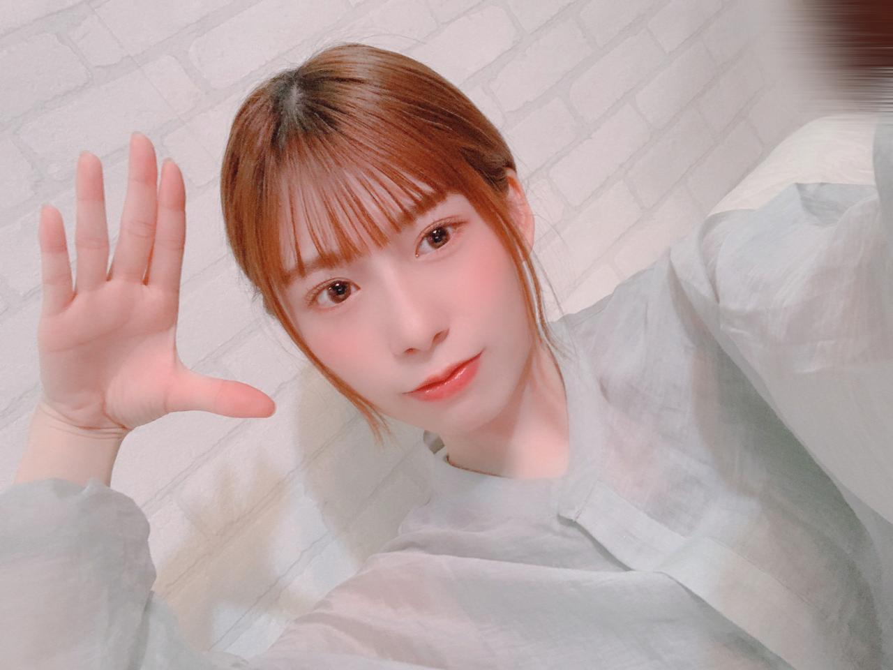 東村芽依さんの「🍓」