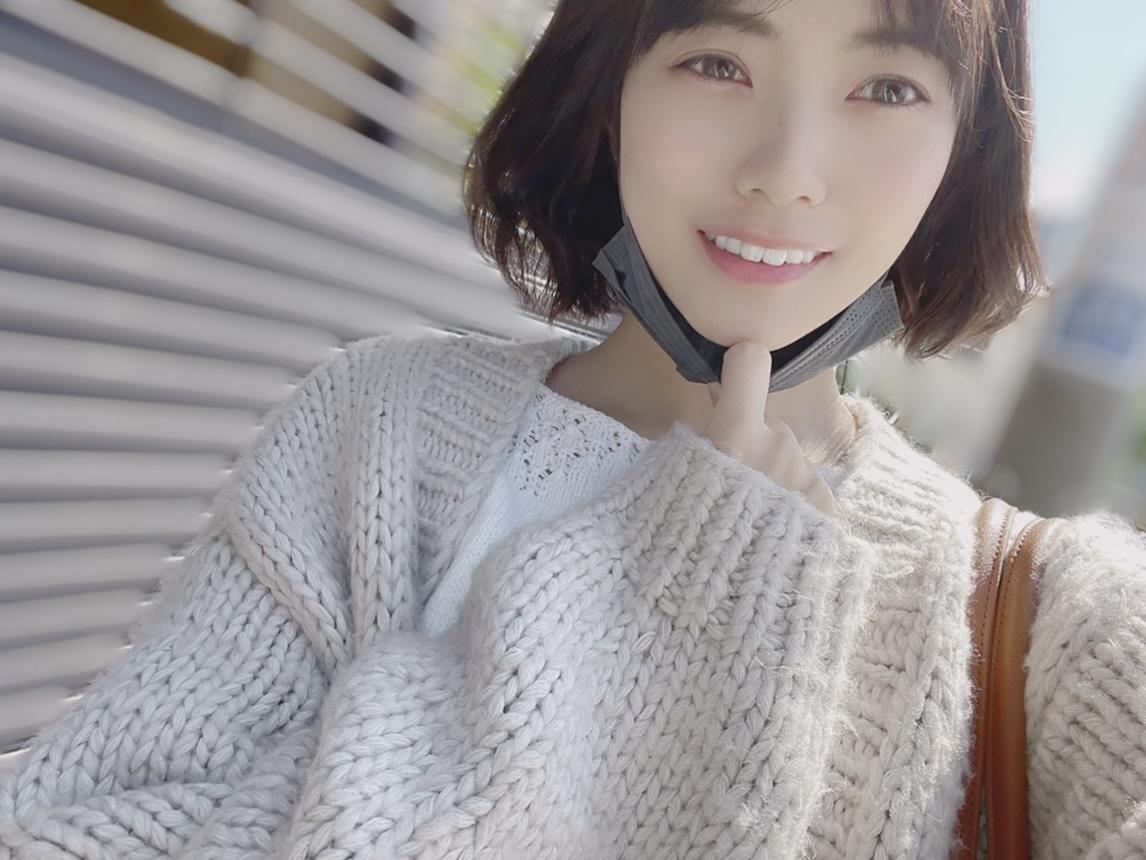https://cdn.hinatazaka46.com/files/14/diary/official/member/moblog/202104/mobQOGXYM.jpg