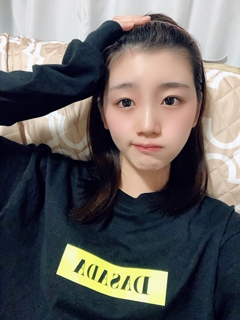 佐々木美玲さんの「腹ぺこみー🍞」